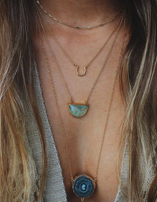 Semiprecious Layered necklaces: get the look right!
