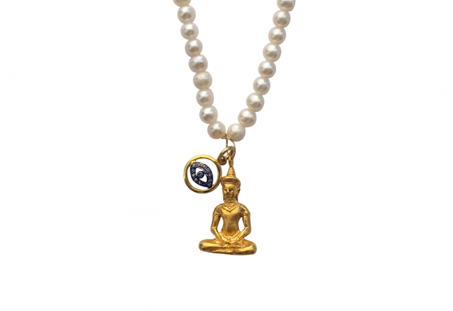Gold Buddha and Diamonds