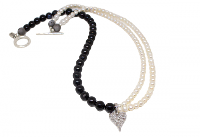Diamond,-Pearl-and-Onyx-Necklace-Gifted-Unique