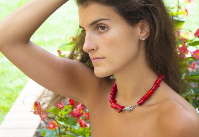 Coral-necklace-diamonds-gifted-unique